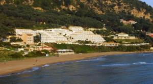 aquis pelakas beach